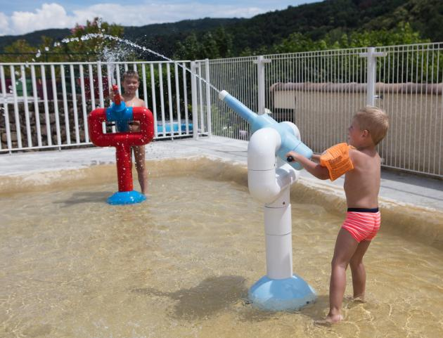 Jeux d'eau pour les enfants